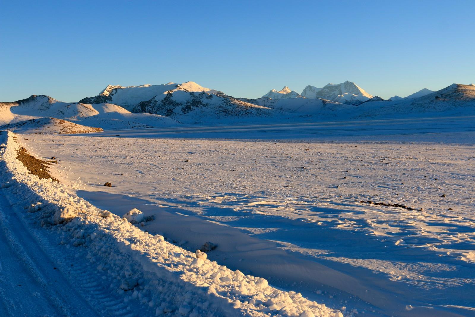 【新年再出发】冬游西藏,看冰封普莫雍错,去苦修者的圣地——桑耶与青朴
