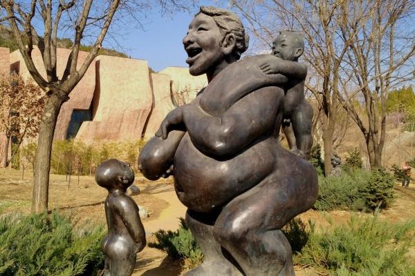 【我是旅行家】于庆成雕塑园,看民间艺术大师的杰作。