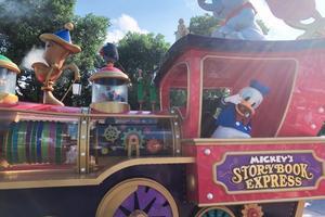 【我是旅行家】第一次带女儿去上海迪士尼乐园,夏日下午场也能玩出精彩