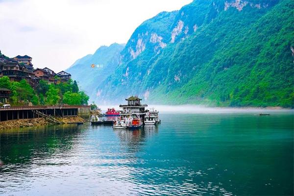 【与佳同行,自在游天下】中国曾被淹没的古镇,整体复建,邻居都没变,如今宛如仙境!