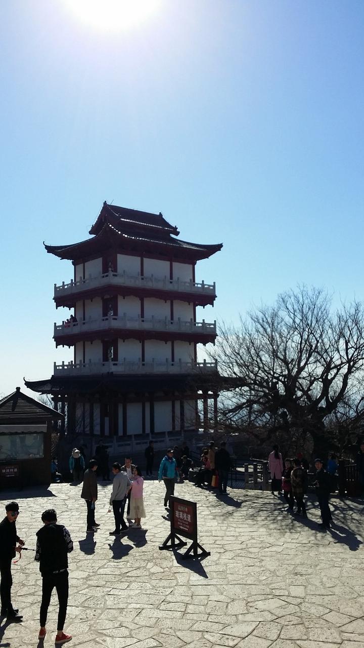 乡村旅游网:云台山玻璃栈道茱萸峰