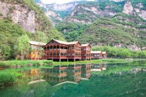 河南小众避暑好去处 媲美长江三峡 还隐藏着世界第一天然大佛