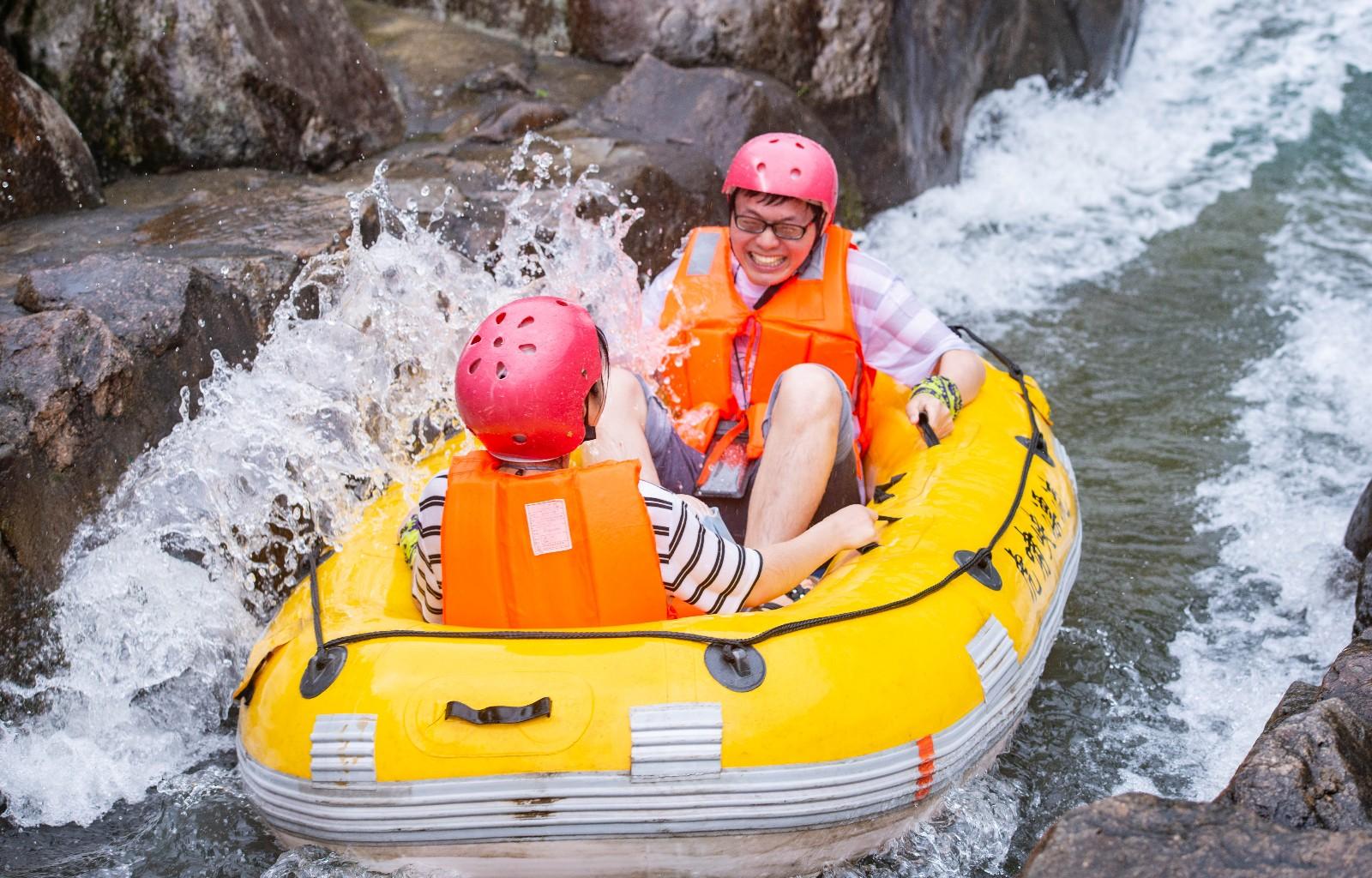 【11周年,我的旅行故事】2019年夏天的第一份清凉,桐庐虎啸峡漂流,游客全成表情包