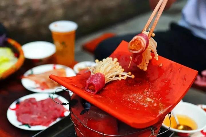 海口旅游吃海椰庄瓦片烤肉?