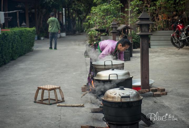 暑期哪里玩,就去西双版纳中缅第一寨勐景来,超多美女美景美食等你来