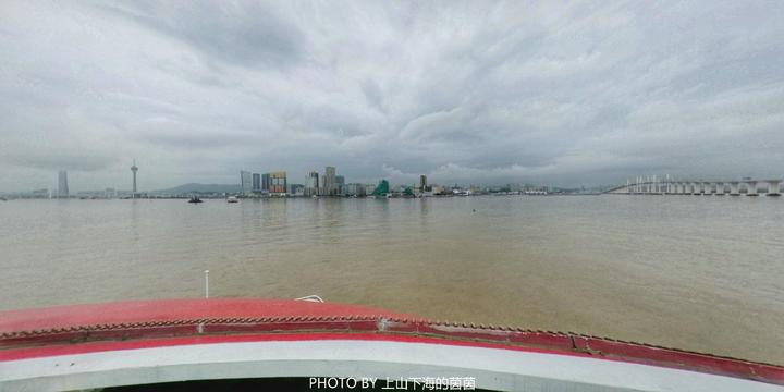 珠海澳门新玩法 坐游轮看港珠澳大桥 住海边别墅 品国宴水准美食