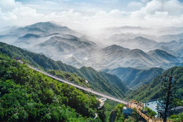 驭见安吉新网红--1100米海拔上的云上草原悬崖乐园
