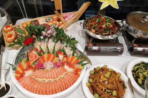 【年末去哪玩】看看南宁冷餐会的美食,你那边是这么丰富吗?