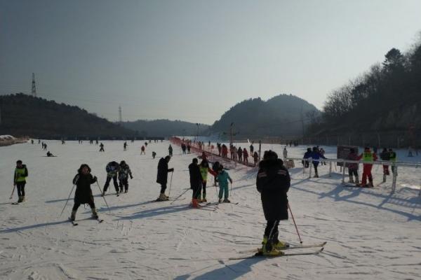 来天津玉龙滑雪场撒点野!