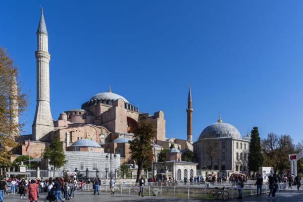 """2019土耳其博物之旅15:世界上唯一的""""混血教堂""""圣索非亚大教堂"""
