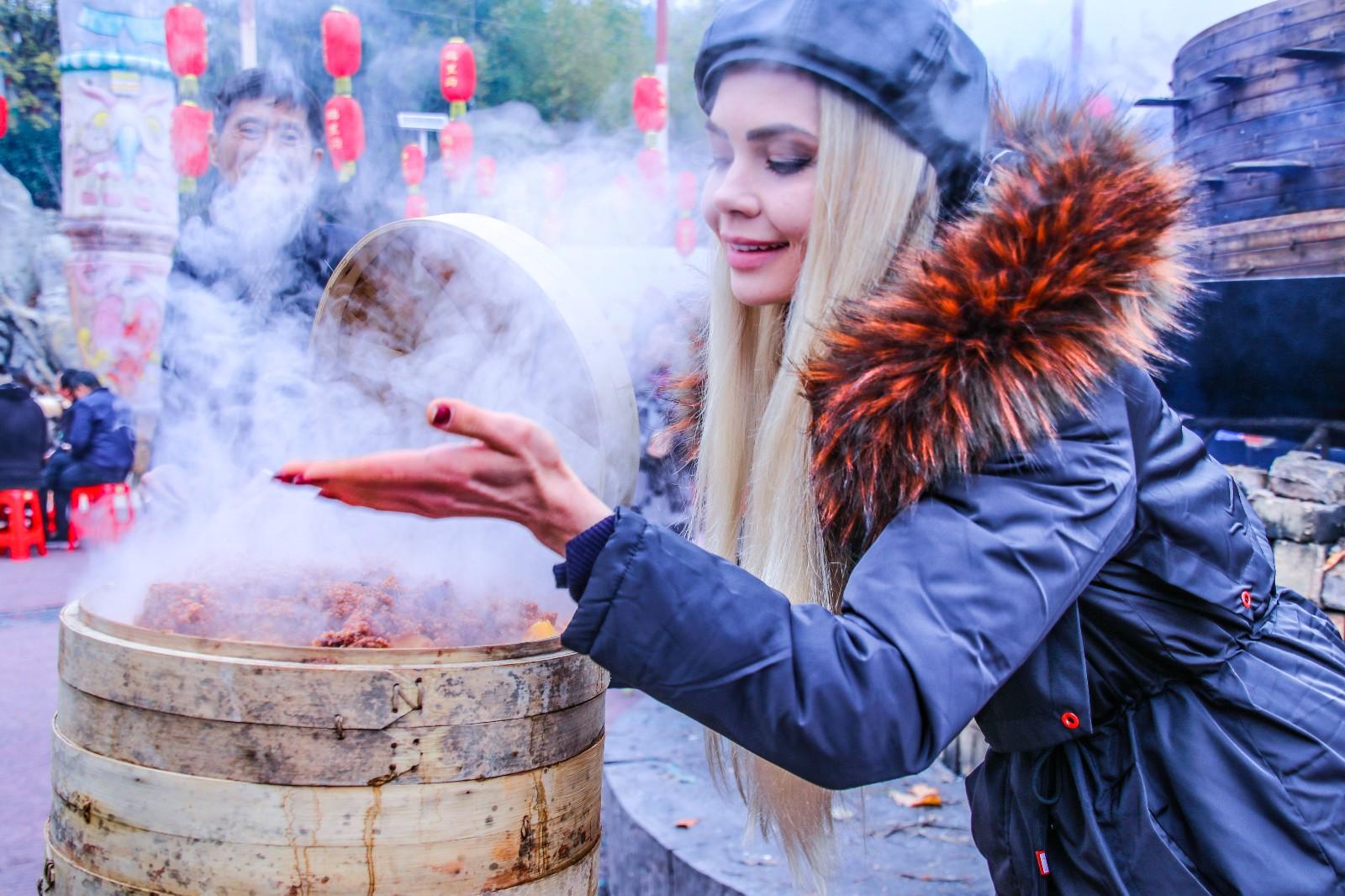 【新年輕度假】武漢年味兒最濃的地方 將年過出儀式感 連俄羅斯美女都來湊熱