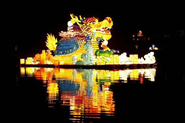 美不勝收,超詳觀燈攻略帶你打卡長壽湖迎春燈會!