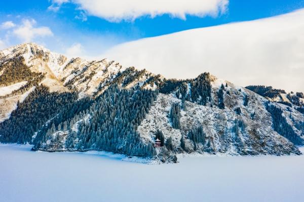 冬游新疆,踏上荒野之旅,樂享冰雪,有一種美叫水墨畫