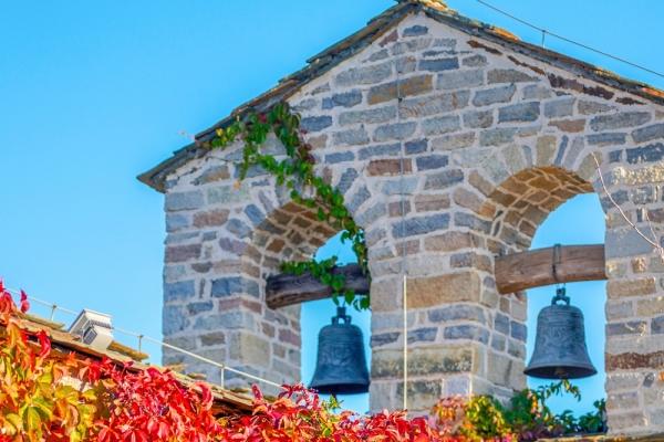 【新年輕旅行】古北水鎮最網紅建筑|探秘披上紅葉的最美山頂教堂