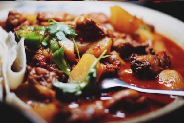 【新年轻度假】大口喝酒大口吃肉的欢愉,在in77的新疆菜馆可以感受到