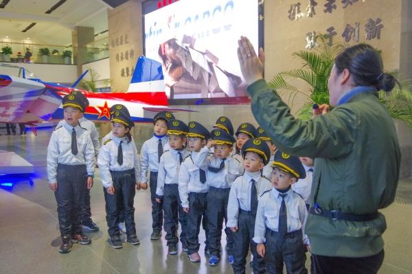 【新年轻度假】杭州境内寒假适合亲子游的绝佳景区,圆孩子的飞行梦,值得收藏