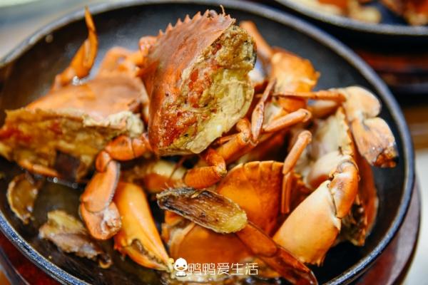 【新年轻度假】厦门旅游必打卡中山路,25年老店里吃煎蟹、姜母鸭,游客:真香!