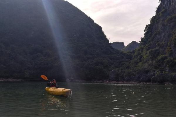 【新年轻度假】越南下龙湾舢板游