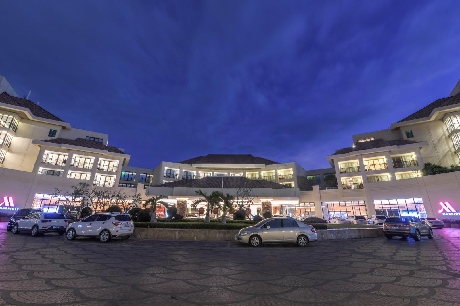 亞龍灣萬豪酒店:避寒度假的優質之選