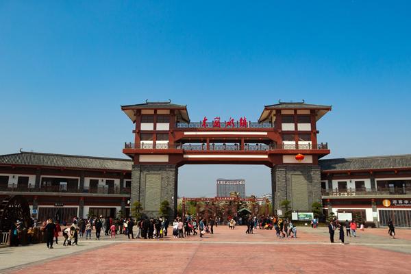 水韵江城,新建木兰水镇,军事主题公园游记