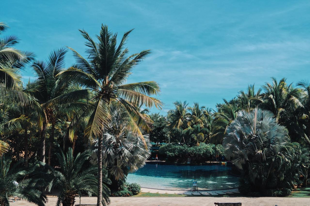 三亚酒店|装在清迈度假?大海与丛林我都想要!