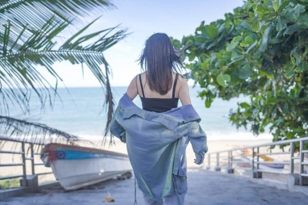 2020年的第一次旅行,带着微风一起奔跑在大海的沙滩上