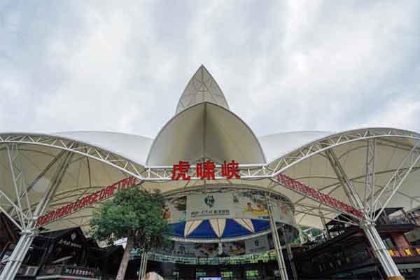 """杭州周边藏着一个小众宝藏漂流地,一起去""""清凉一夏""""吧"""