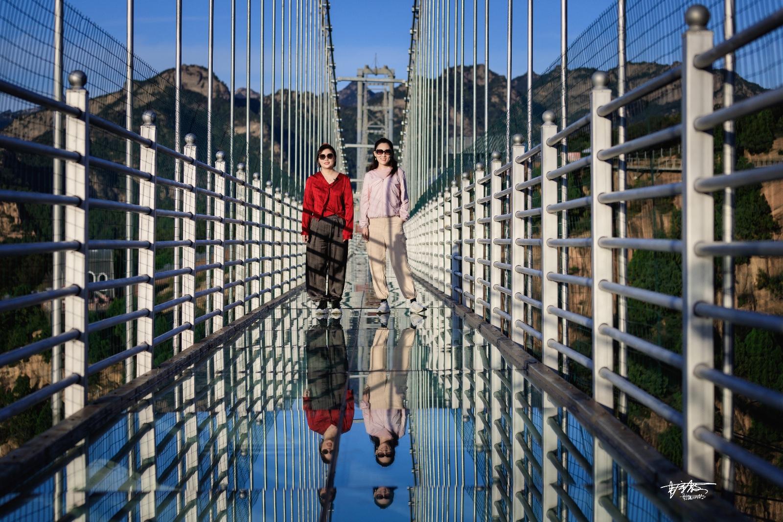 【美图Pick计划】十一假期不知道去哪玩,不妨去清凉谷挑战200多米的玻璃天桥