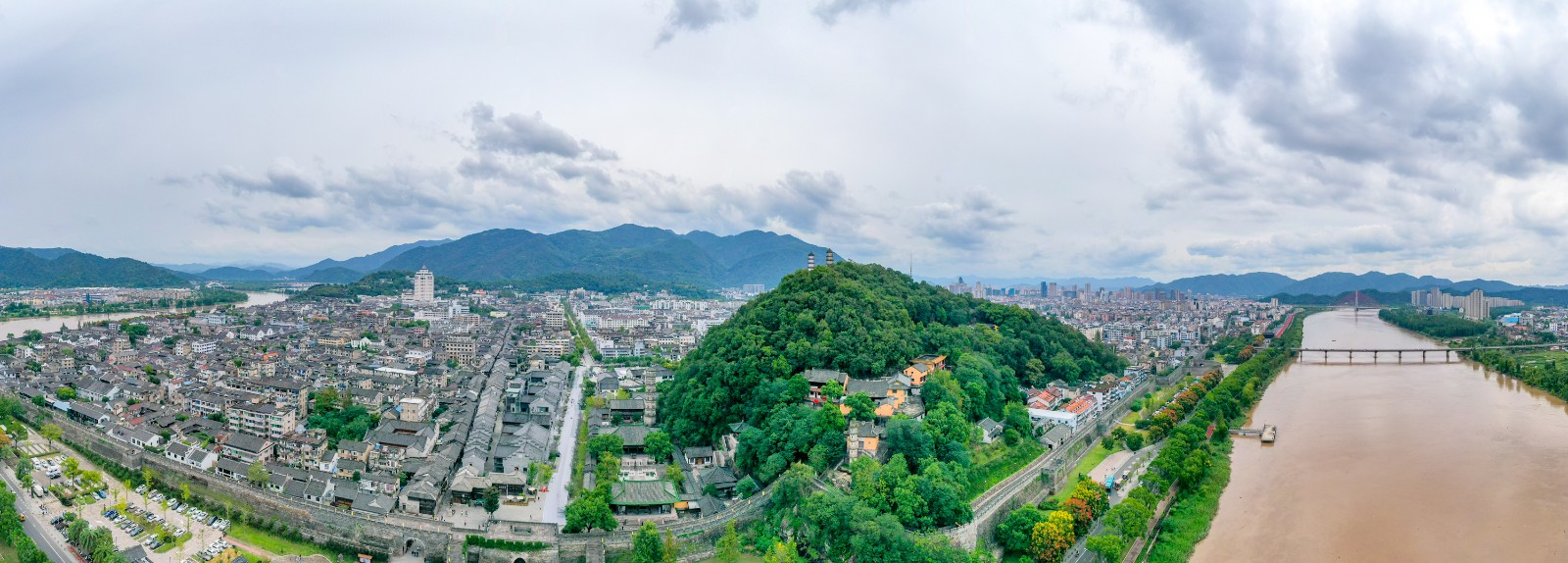 趁秋未凉,来台州临海,探寻千年古城的新与旧