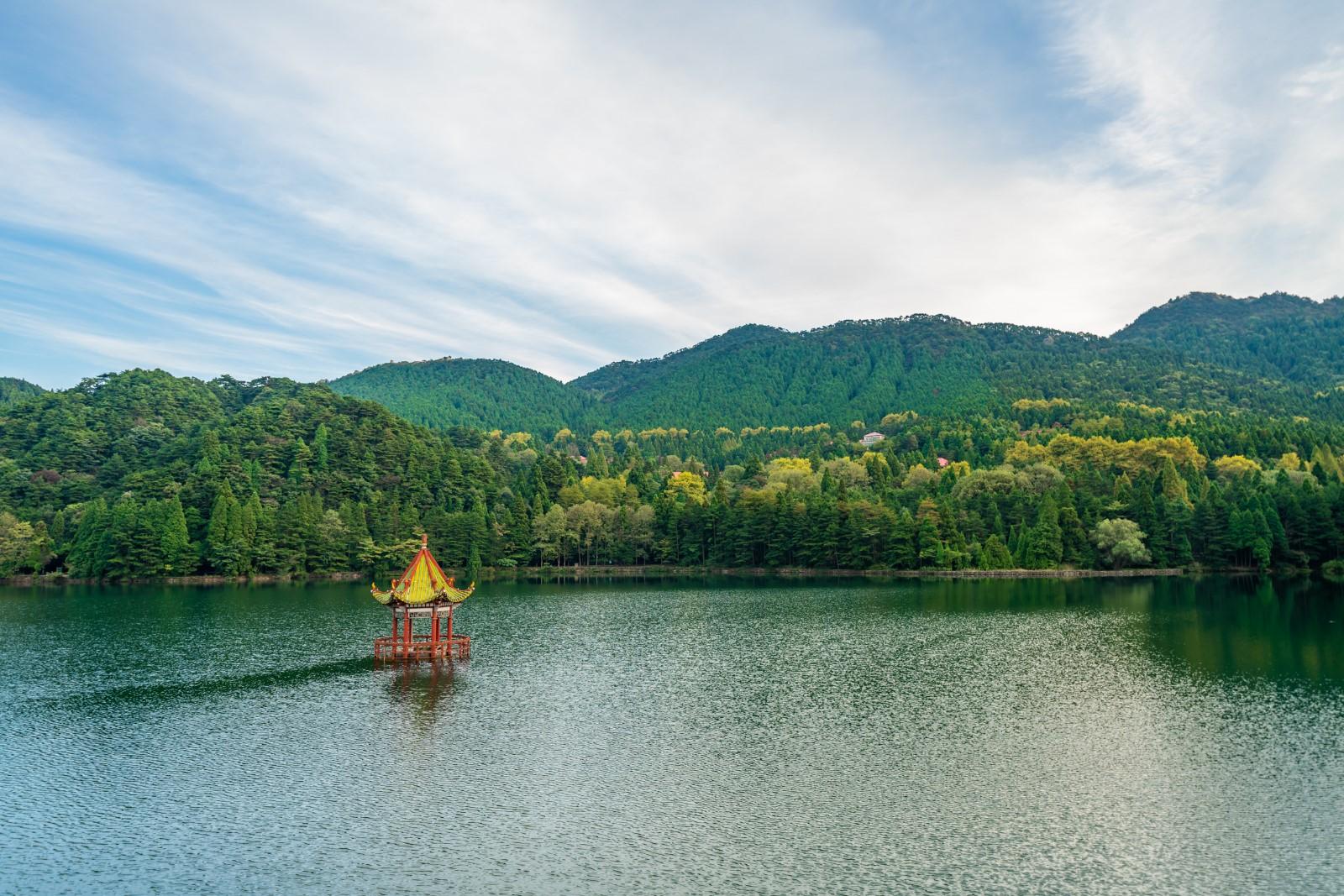 旅游攻略论坛:中国内地万里晴空神仙运,三天两晚带你,上庐山,坐缆车,下叠泉!
