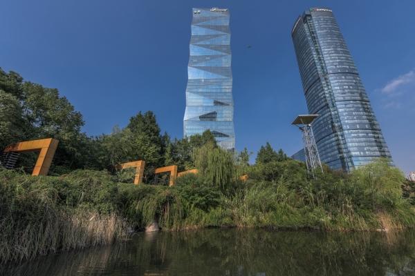 南京河西視角極佳的酒店:入住高樓層客房,可實現眼觀四方