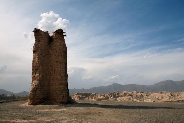 新疆克孜尔尕哈烽燧,两千年前的西域汉长城遗址