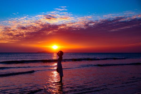 海水群飞·「寻觅·三亚」:被天空浸染过的那一抹蓝