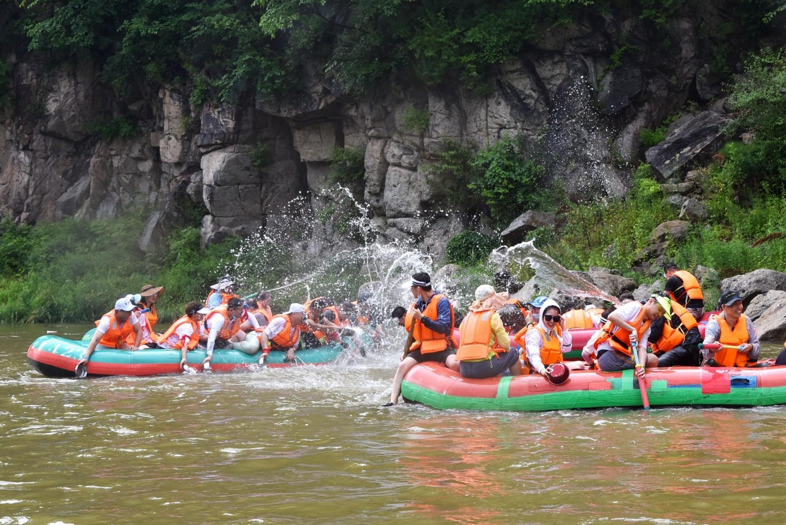 东北第一漂,清原红河谷生态之旅,释放你的夏日激情