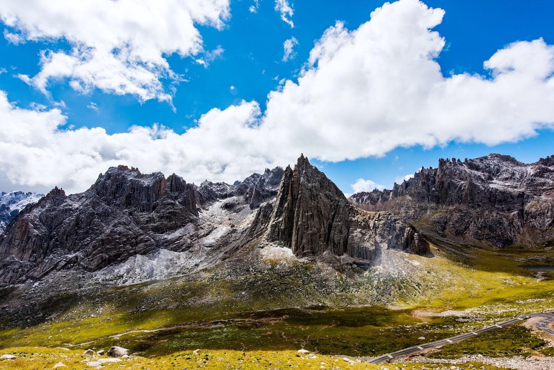 山峦狂野,湖泽明媚,这儿是你猜不透的石头仙境-莲宝叶则